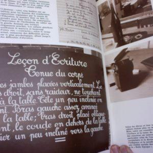 A l'encre violette – un siècle de vie quotidienne à la communale – Editions Atlas –