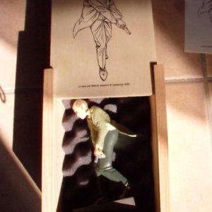 Figurine en plomb – Le Tueur – 13 cm – Coffret en bois accompagné d'une sérigraphie et d'un certificat numéroté et signé par les auteurs – Ex. N° 21/250 – Casterman 2005 –